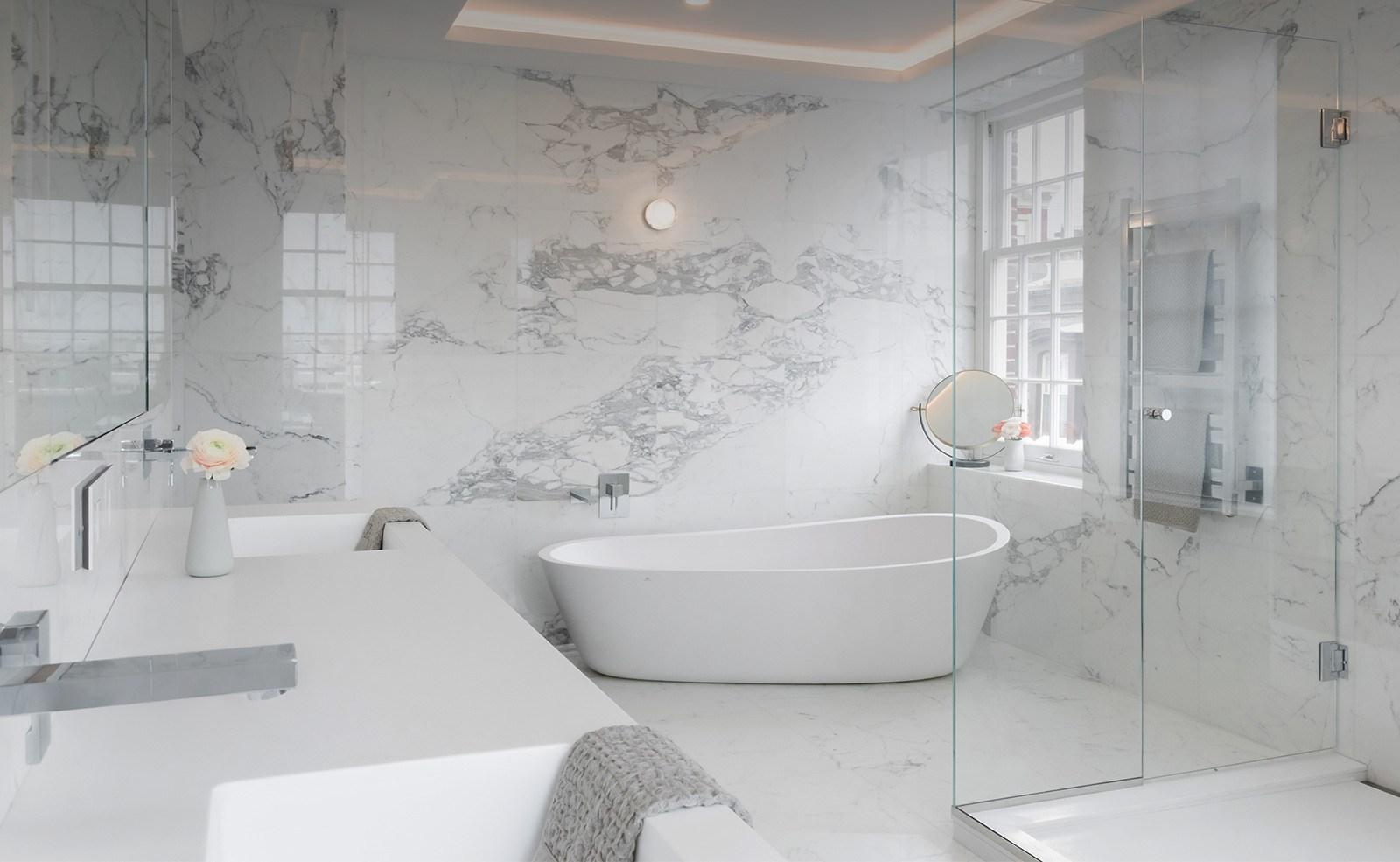 Bagni Di Lusso Moderni arredamento di lusso in marmo e pavimenti in travertino