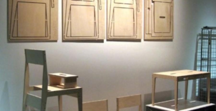 Arriva Chairkit: appendi la sedia al muro
