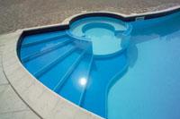 Avete mai pensato di mettere una piscina nel vostro giardino?